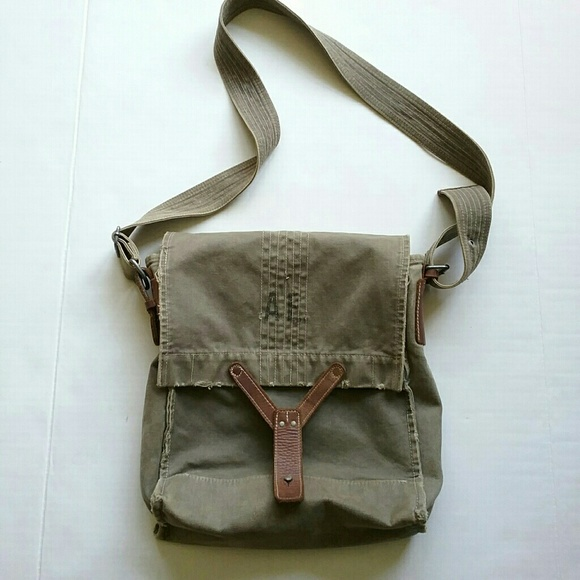 American Eagle Outfitters Other - American Eagle Crossbody Messenger Tote Bag